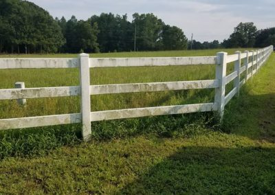 We do wooden fences, too